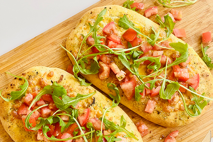 Garlic-Herb-Cheddar-Focaccia-with-Chunky-Tomatoes-and-Rocket